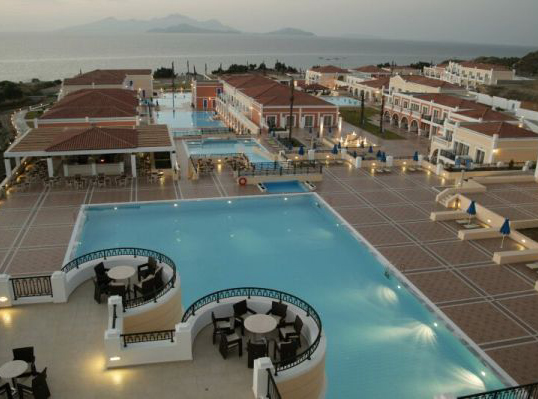 Porto Bello Royal - Suites Resort & Convention Center
