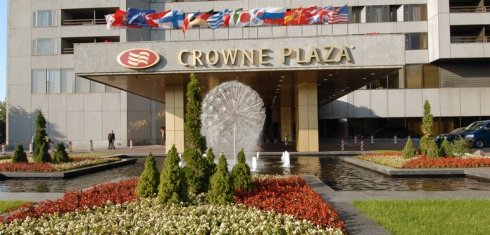 Crowne Plaza Club